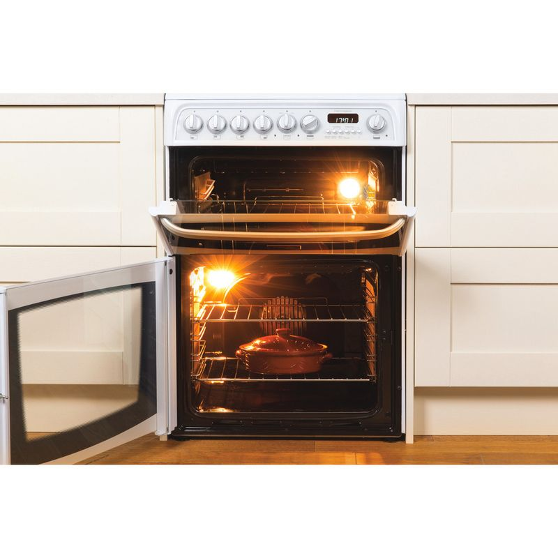 Hotpoint-Double-Cooker-CH60GCIW-White-A--Enamelled-Sheetmetal-Lifestyle-frontal-open