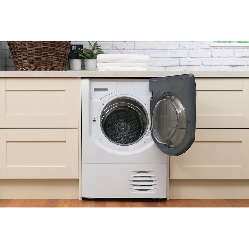 Hotpoint-Dryer-AQC9-BF7-E1--UK--White-Lifestyle-frontal-open