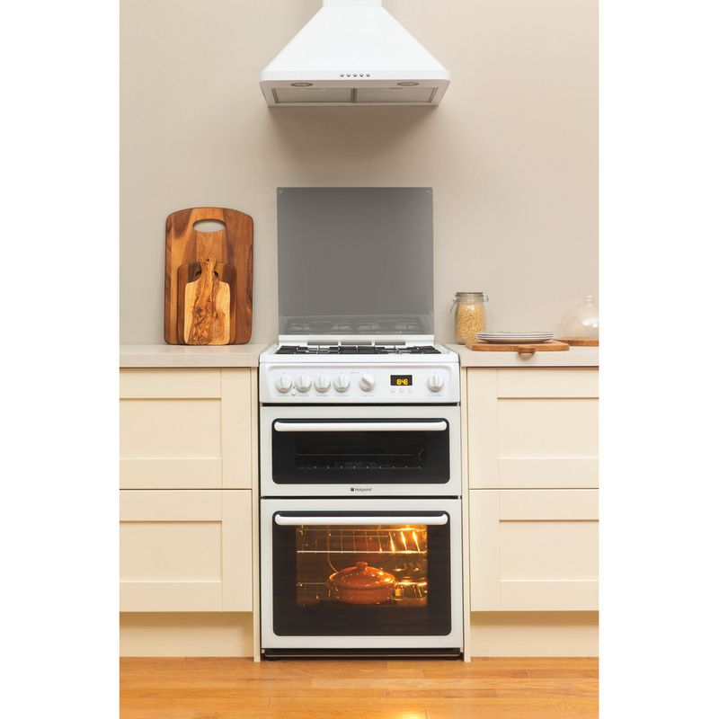Hotpoint-Double-Cooker-HAGL60P-White-A--Enamelled-Sheetmetal-Lifestyle_Frontal