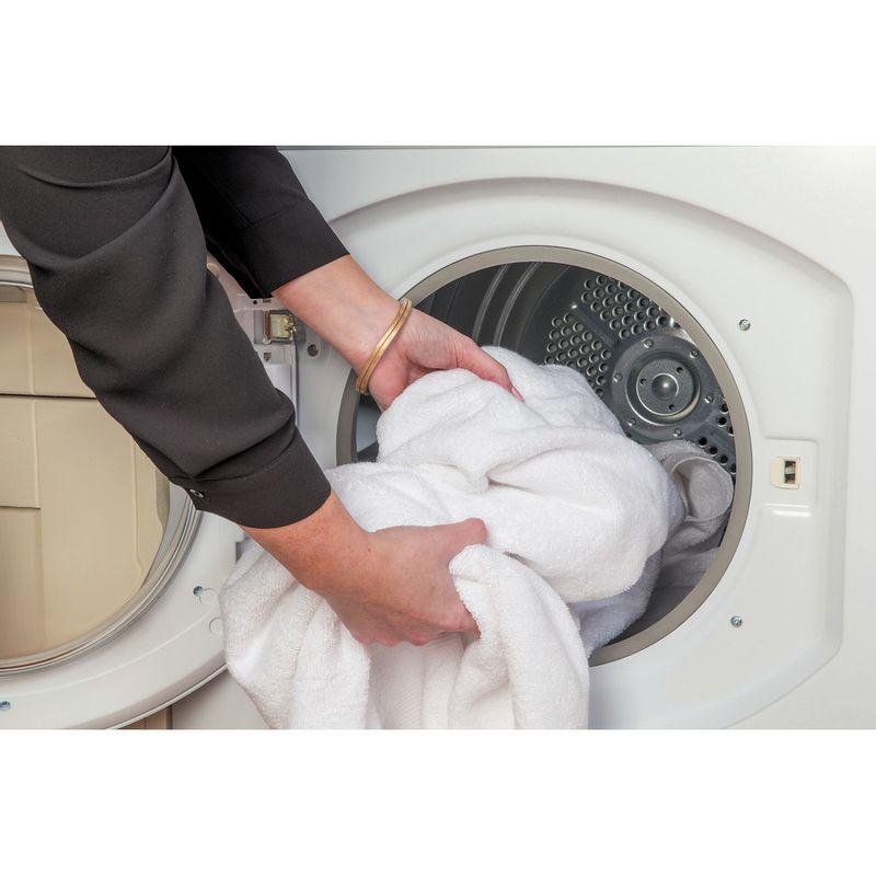 Hotpoint-Dryer-FETV-60C-P--UK--White-Lifestyle-people