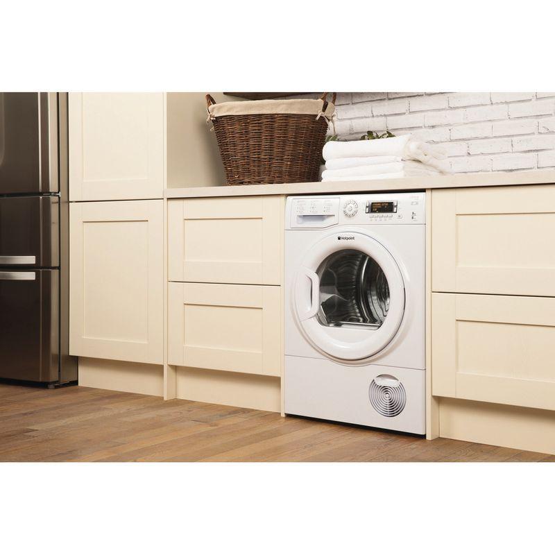 Hotpoint-Dryer-SUTCD-97B-6PM--UK--White-Lifestyle-perspective