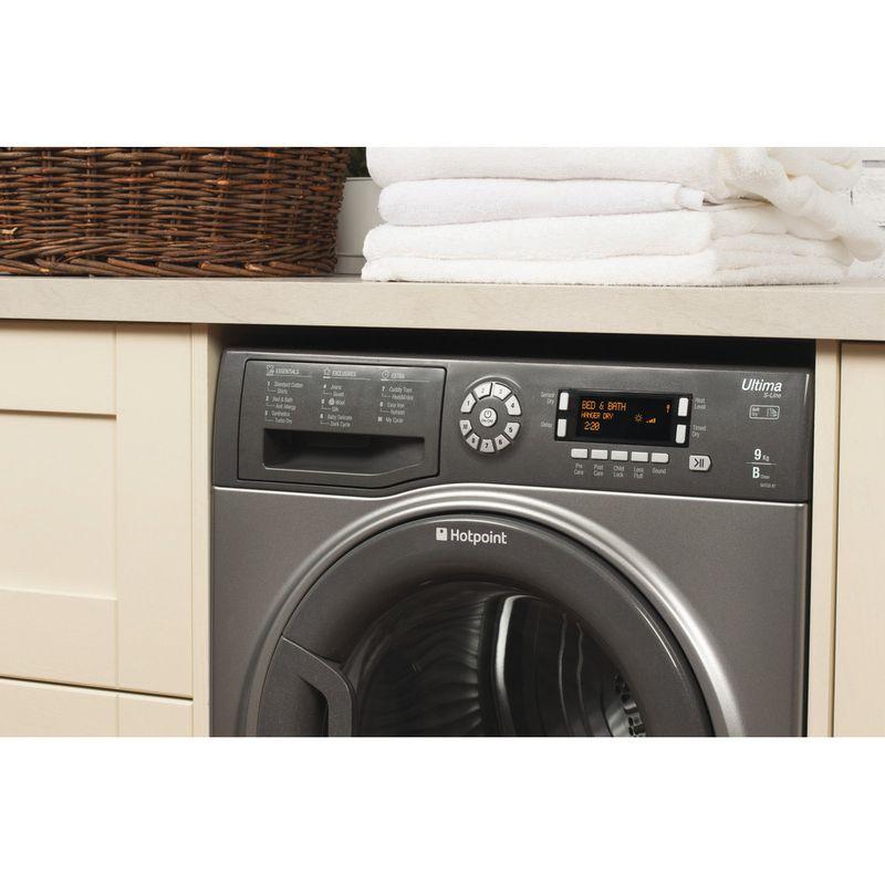 Hotpoint-Dryer-SUTCD-97B-6GM--UK--Graphite-Lifestyle-control-panel