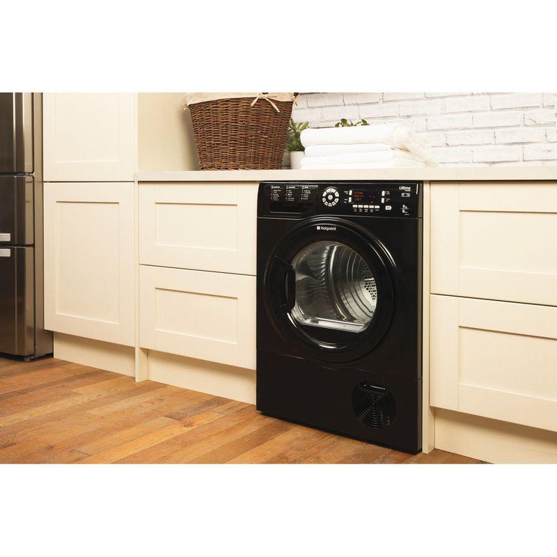 Hotpoint-Dryer-SUTCD-97B-6KM--UK--Black-Lifestyle_Perspective