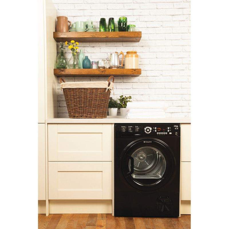 Hotpoint-Dryer-SUTCD-97B-6KM--UK--Black-Lifestyle_Frontal