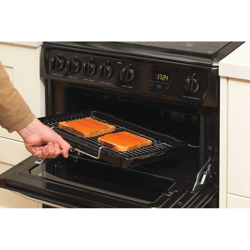 Hotpoint-Double-Cooker-DSG60K-Black-A--Enamelled-Sheetmetal-Lifestyle-people
