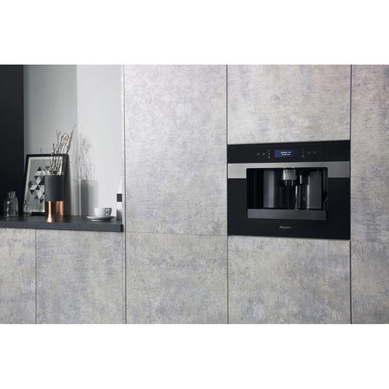 Hotpoint-Built-in-coffee-machine-CM-9945-H-Black-Inox-Fully-automatic-Lifestyle-perspective