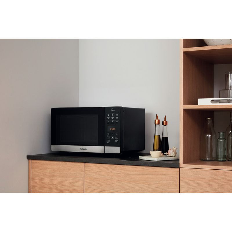 Hotpoint-Microwave-Free-standing-MWH-2734-B-Black-Electronic-25-MW-Combi-800-Lifestyle-perspective