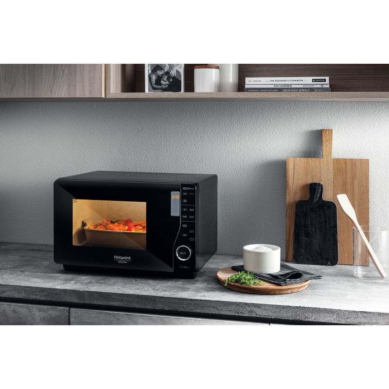 Hotpoint-Microwave-Free-standing-MWH-2622-MB-Black-Electronic-25-MW-Grill-function-800-Lifestyle-perspective