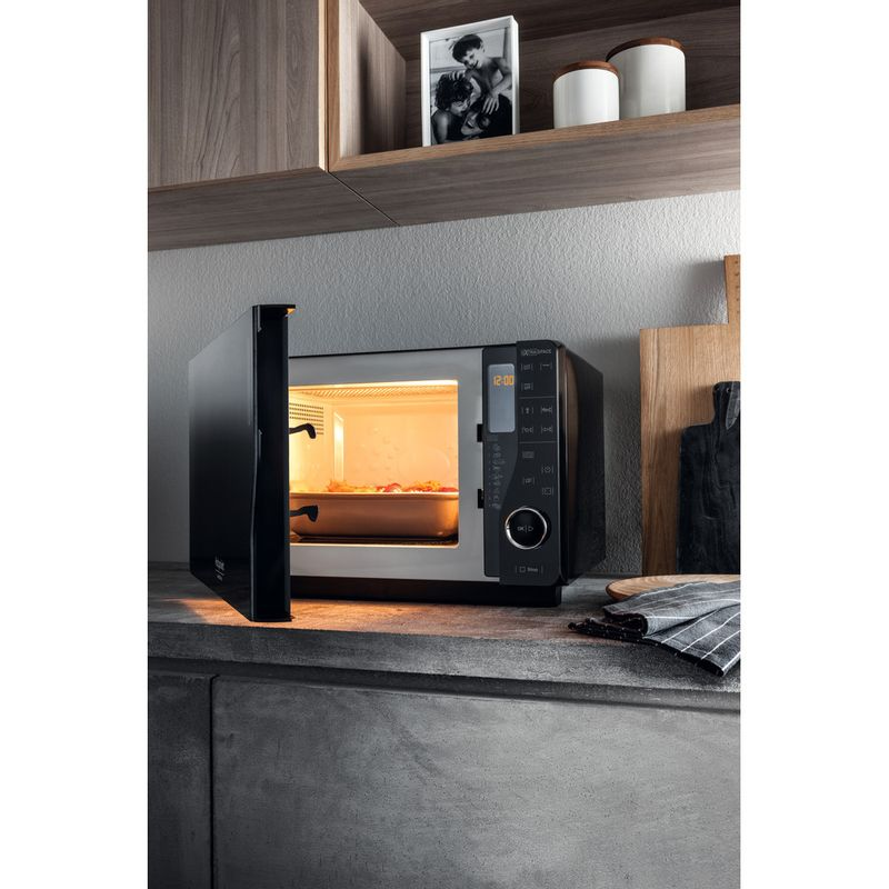 Hotpoint-Microwave-Free-standing-MWH-2622-MB-Black-Electronic-25-MW-Grill-function-800-Lifestyle-perspective-open