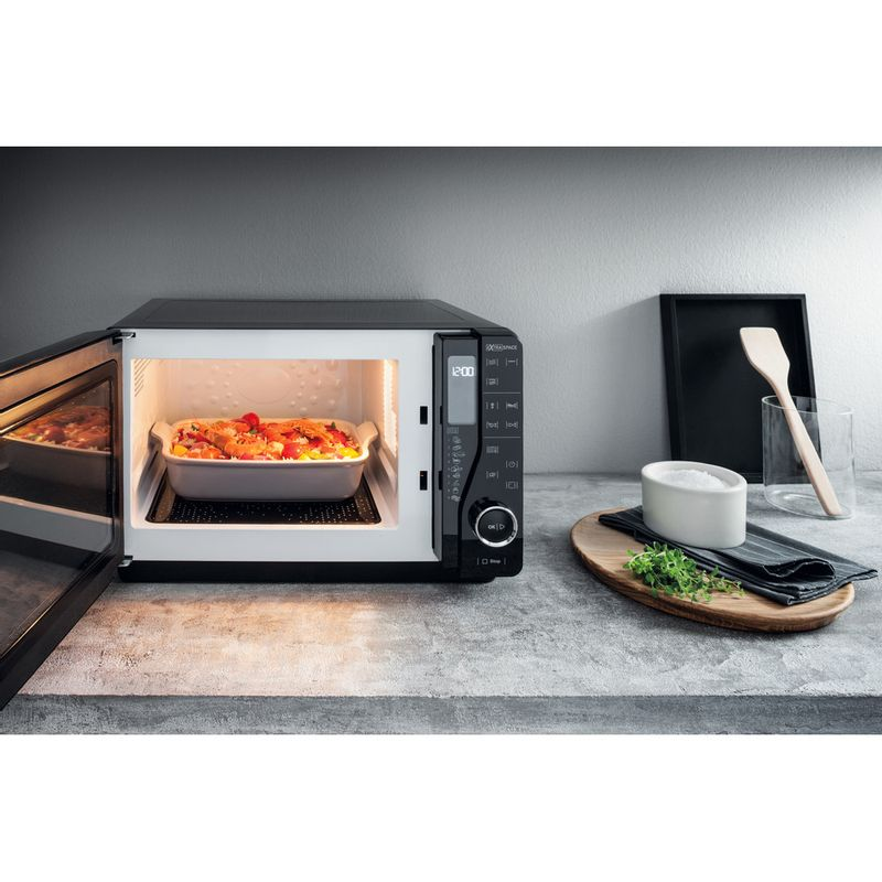 Hotpoint-Microwave-Free-standing-MWH-2622-MB-Black-Electronic-25-MW-Grill-function-800-Lifestyle-frontal-open