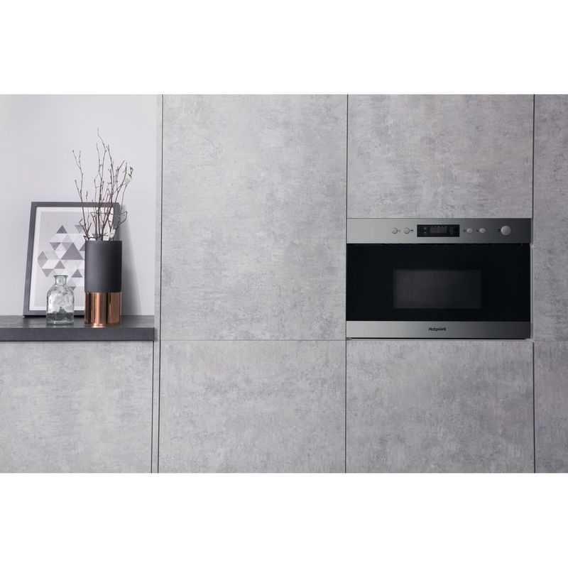 Hotpoint-Microwave-Built-in-MN-314-IX-H-Stainless-steel-Electronic-22-MW-Grill-function-750-Lifestyle-frontal