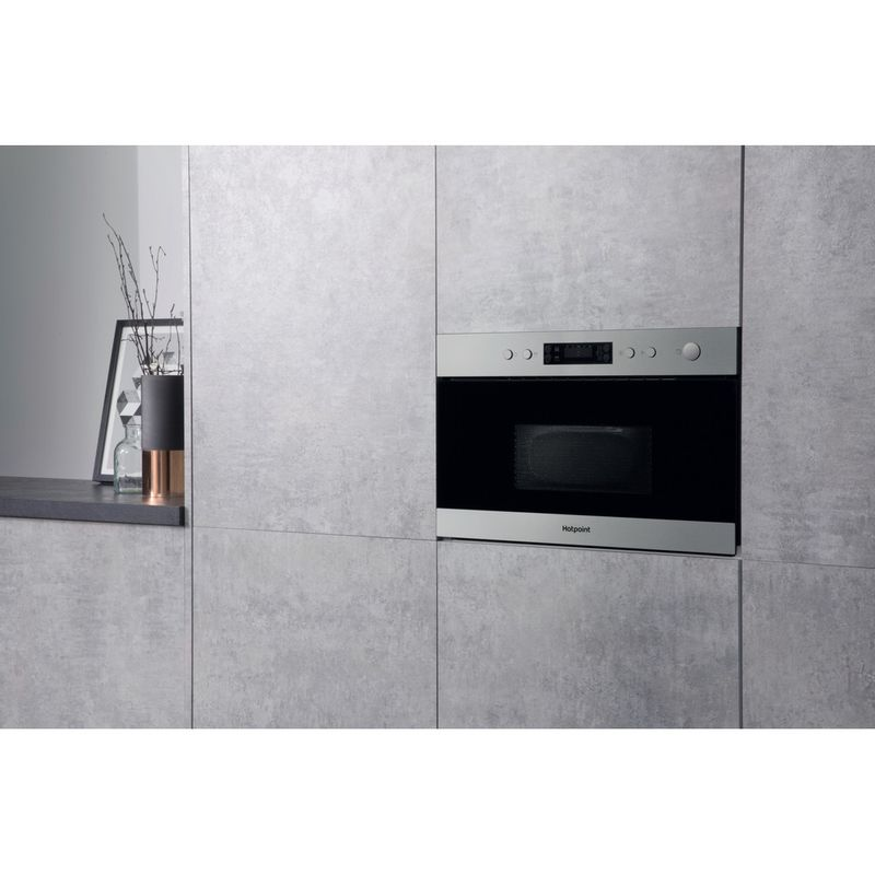 Hotpoint-Microwave-Built-in-MN-314-IX-H-Stainless-steel-Electronic-22-MW-Grill-function-750-Lifestyle-perspective
