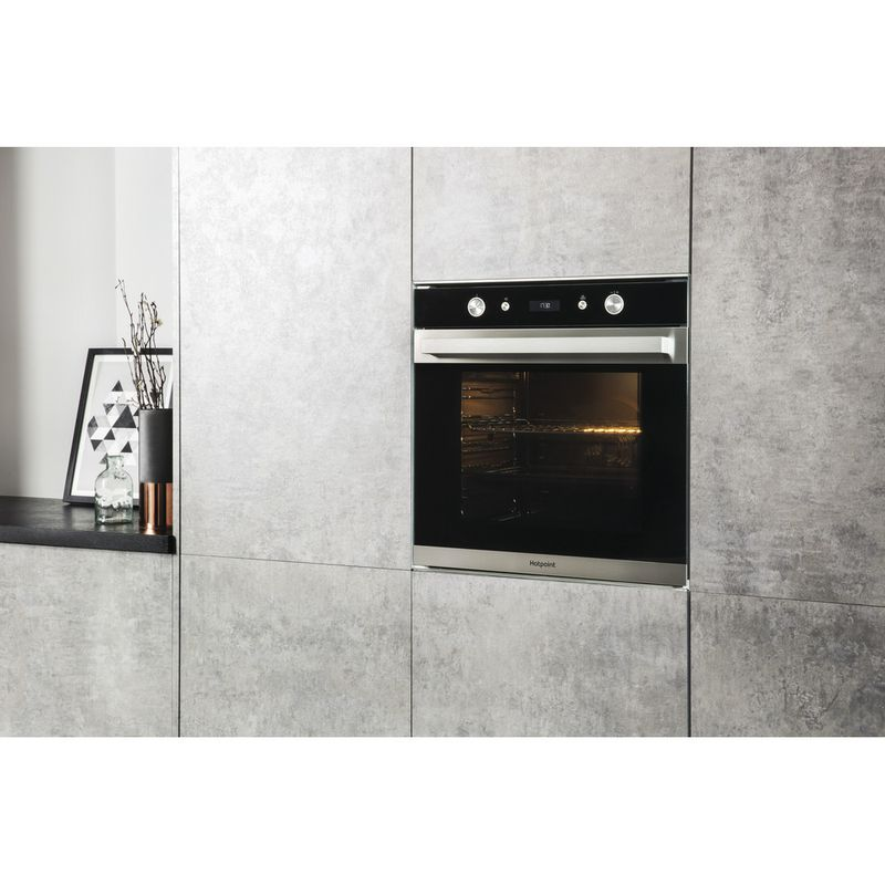 Hotpoint-OVEN-Built-in-SI7-864-SC-IX-Electric-A--Lifestyle-perspective