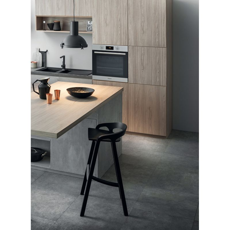 Hotpoint-OVEN-Built-in-SA4-844-P-IX-Electric-A--Lifestyle-perspective