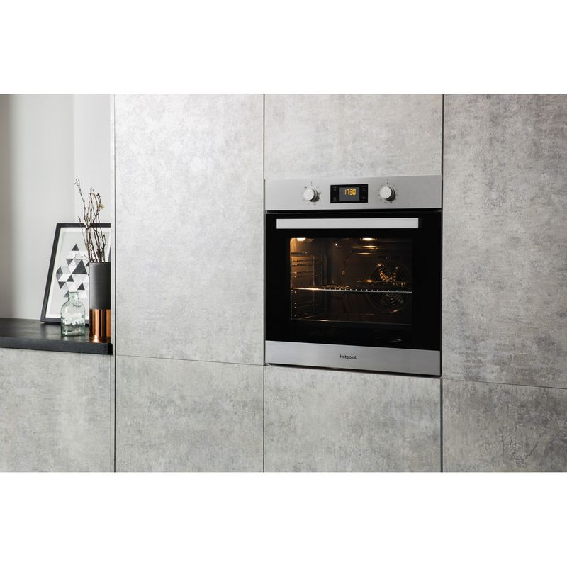Hotpoint-OVEN-Built-in-SA3-544-C-IX-Electric-A-Lifestyle-perspective