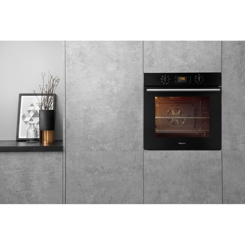Hotpoint-OVEN-Built-in-SA2-540-H-BL-Electric-A-Lifestyle-frontal
