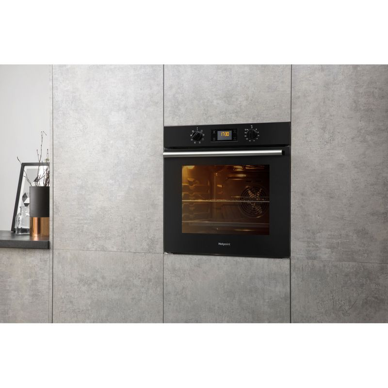 Hotpoint-OVEN-Built-in-SA2-540-H-BL-Electric-A-Lifestyle-perspective