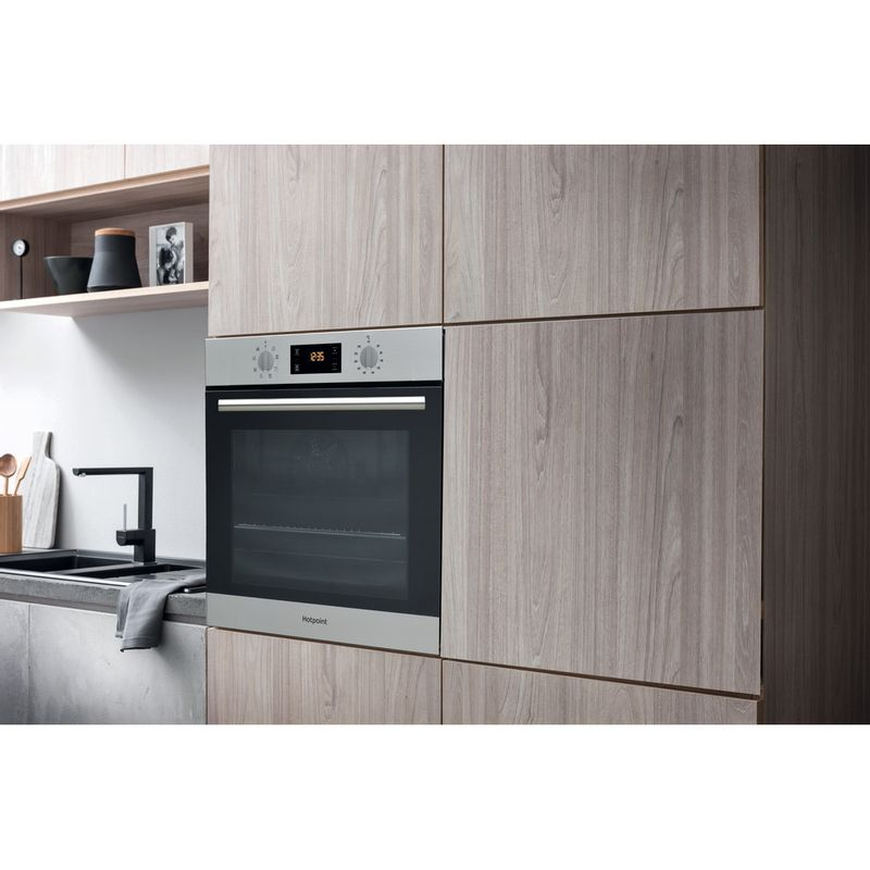 Hotpoint-OVEN-Built-in-SA2-544-C-IX-Electric-A-Lifestyle-perspective