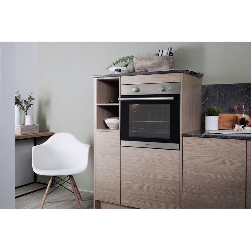 Hotpoint-OVEN-Built-in-GA2-124-IX-GAS-A--Lifestyle-perspective