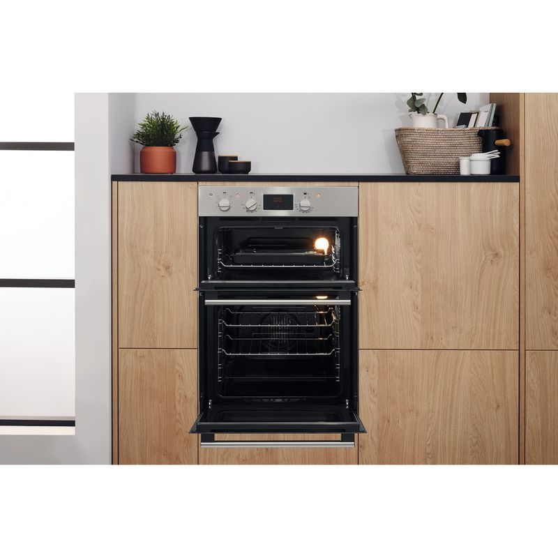 Hotpoint-Double-oven-DD2-544-C-IX-Inox-A-Lifestyle-frontal-open