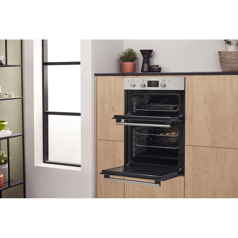 Hotpoint-Double-oven-DD2-544-C-IX-Inox-A-Lifestyle-perspective-open