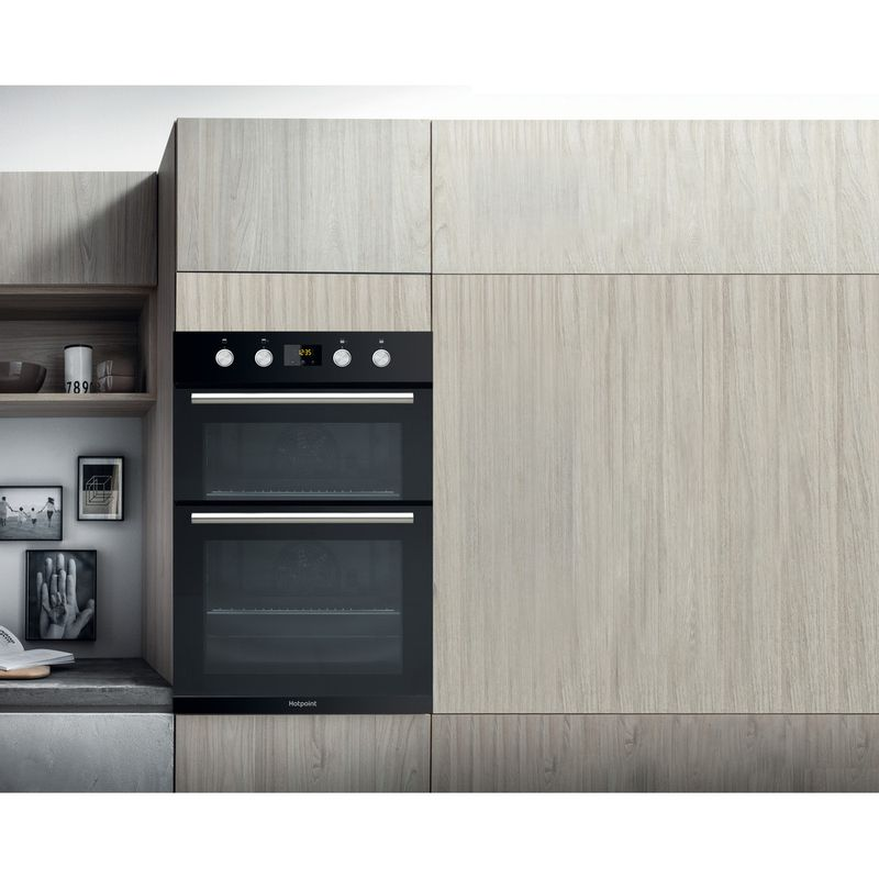 Hotpoint-Double-oven-DD2-844-C-BL-Black-A-Lifestyle_Frontal