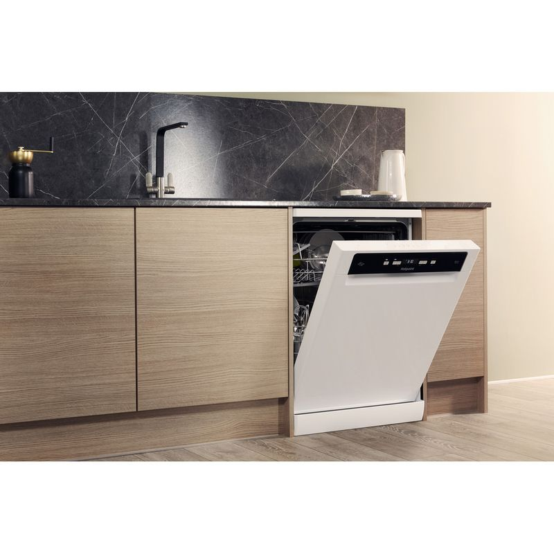 Hotpoint-Dishwasher-Free-standing-HDFO-3C24-W-C-UK-Free-standing-A-Lifestyle_Perspective_Open