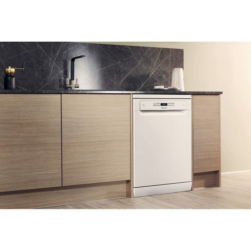 Hotpoint-Dishwasher-Free-standing-HFO-3P23-WL-UK-Free-standing-A-Lifestyle-perspective