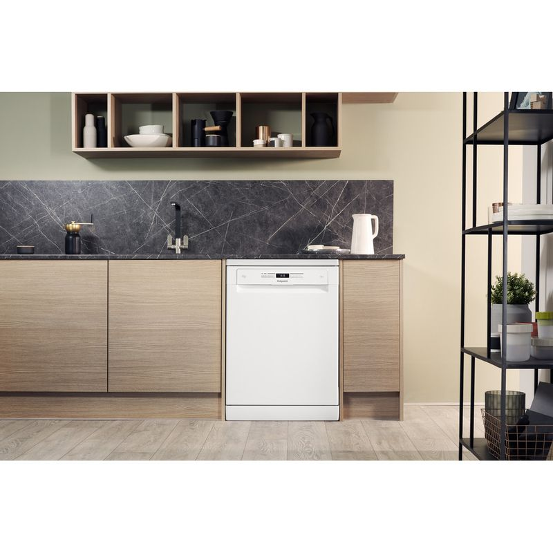 Hotpoint-Dishwasher-Free-standing-HFO-3P23-WL-UK-Free-standing-A-Lifestyle-frontal
