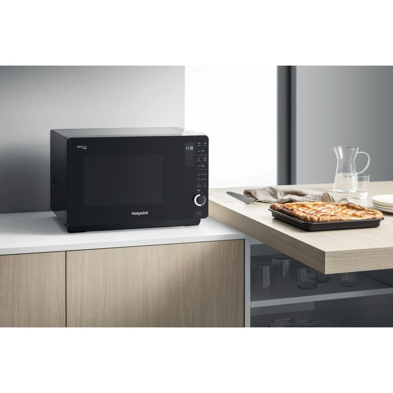 Hotpoint-Microwave-Free-standing-MWH-26321-MB-Black-Electronic-25-MW-Grill-function-800-Lifestyle_Perspective
