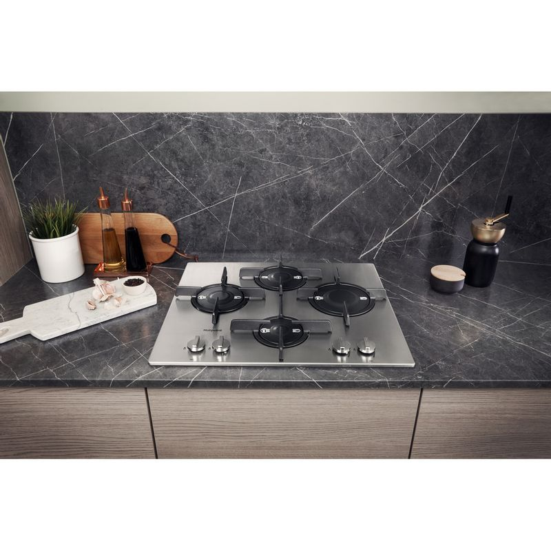 Hotpoint-HOB-FTGHL-641-D-IX-H-Stainless-steel-GAS-Lifestyle-frontal-top-down