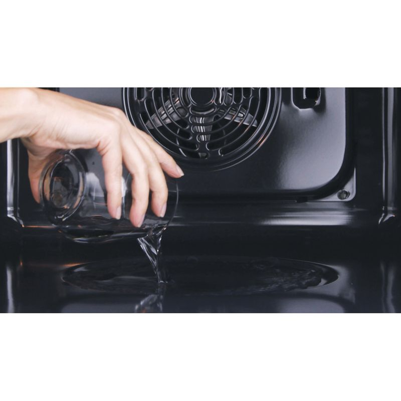 Hotpoint-OVEN-Built-in-FA4S-544-IX-H-Electric-A-Lifestyle-people