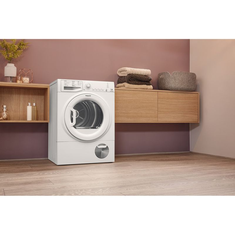 Hotpoint-Dryer-TCFS-73B-GP.9--UK--White-Lifestyle-perspective