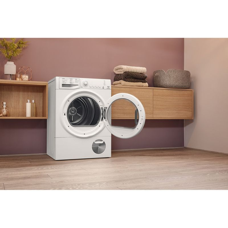 Hotpoint-Dryer-TCFS-73B-GP.9--UK--White-Lifestyle-perspective-open