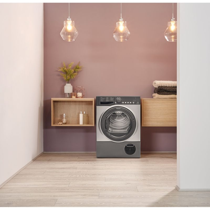 Hotpoint-Dryer-TCFS-73B-GG.9--UK--Graphite-Lifestyle-frontal