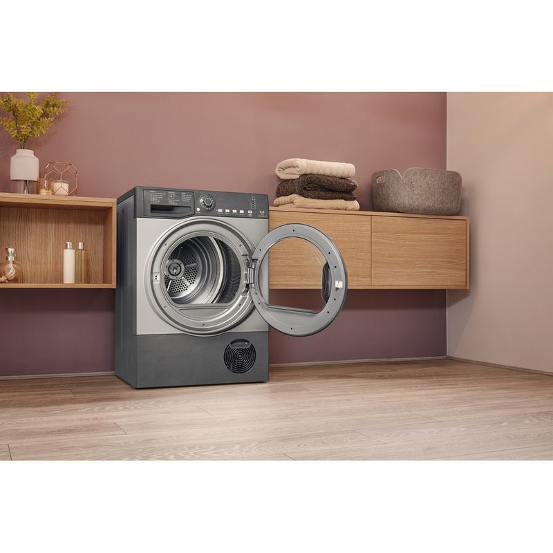 Hotpoint-Dryer-TCFS-73B-GG.9--UK--Graphite-Lifestyle-perspective-open
