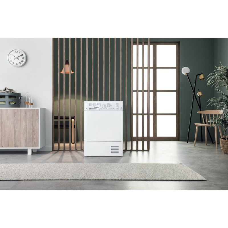 Hotpoint-Dryer-TCHL-870-BP.9--UK--White-Lifestyle_Frontal