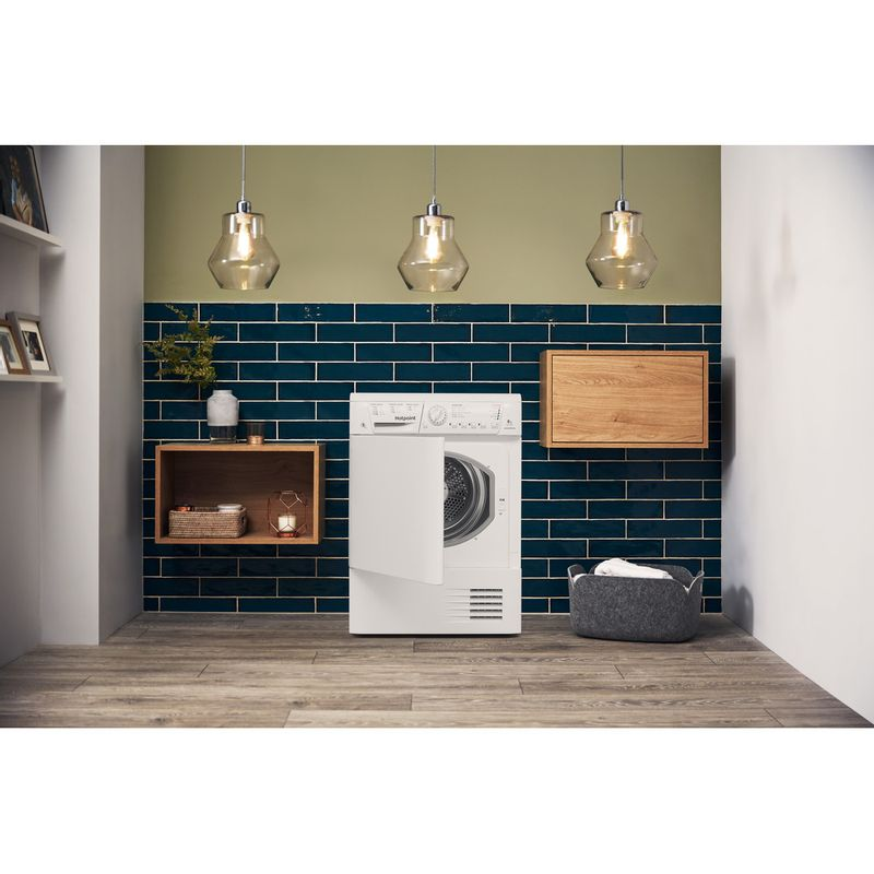 Hotpoint-Dryer-TCHL-870-BP.9--UK--White-Lifestyle_Frontal_Open