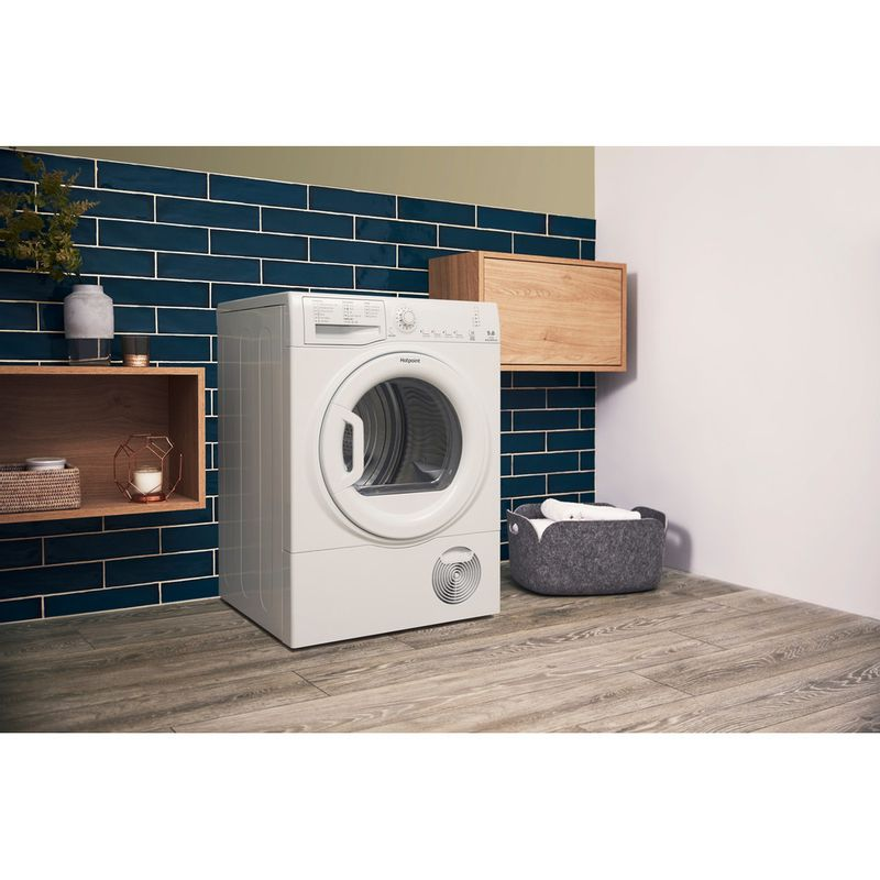 Hotpoint-Dryer-TCFS-93B-GP.9--UK--White-Lifestyle-perspective