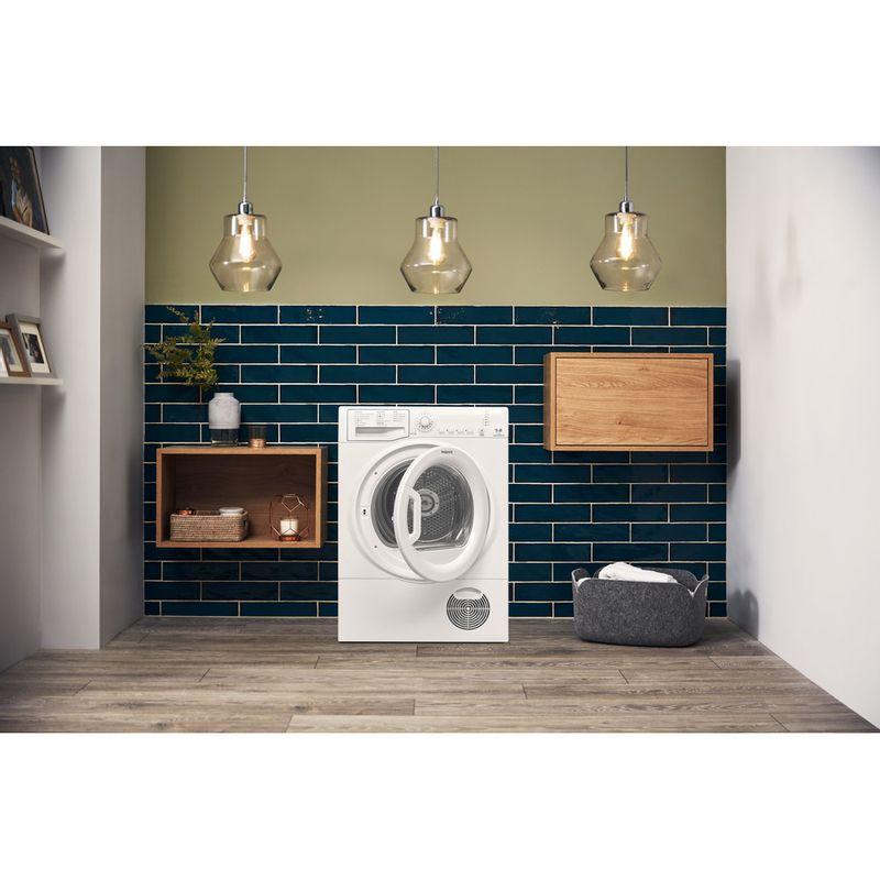 Hotpoint-Dryer-TCFS-93B-GP.9--UK--White-Lifestyle-frontal-open