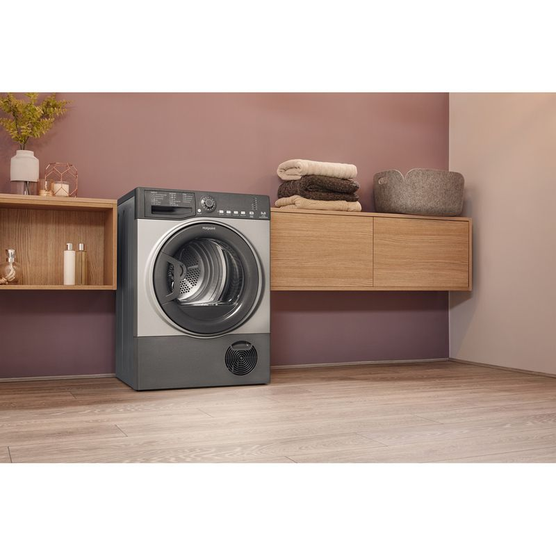 Hotpoint-Dryer-TCFS-83B-GG.9--UK--Graphite-Lifestyle-perspective