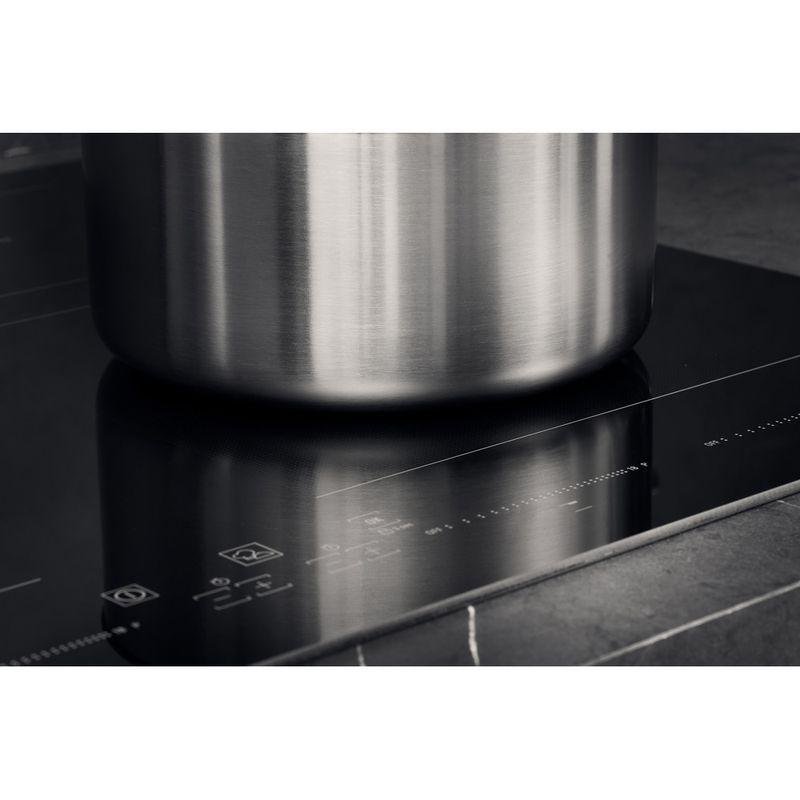 Hotpoint-HOB-ACC-654-F-NE-Black-Induction-vitroceramic-Lifestyle-detail