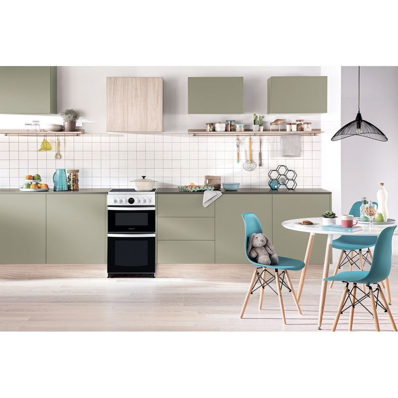Hotpoint-Double-Cooker-HD5V93CCW-UK-White-A-Vitroceramic-Lifestyle-frontal