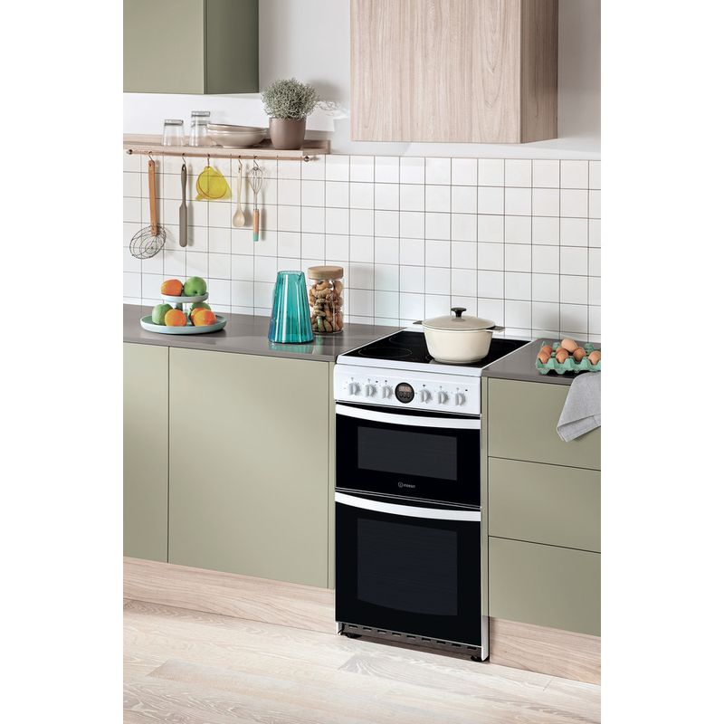 Hotpoint-Double-Cooker-HD5V93CCW-UK-White-A-Vitroceramic-Lifestyle-perspective