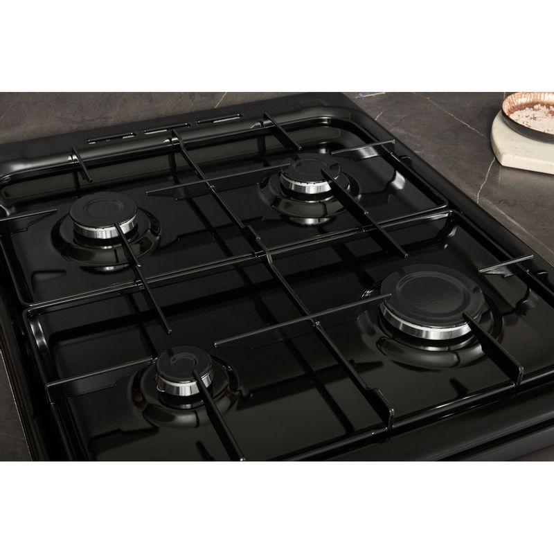 Hotpoint-Double-Cooker-HD5G00KCB-UK-Black-A--Enamelled-Sheetmetal-Lifestyle-perspective