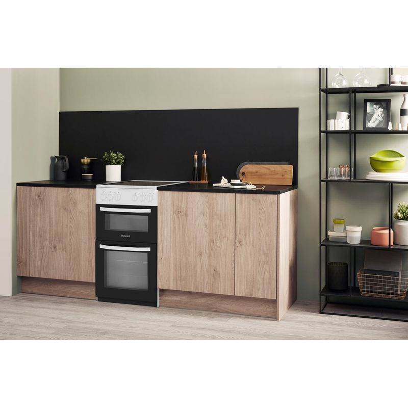 Hotpoint-Double-Cooker-HD5V92KCW-UK-White-A-Vitroceramic-Lifestyle-perspective