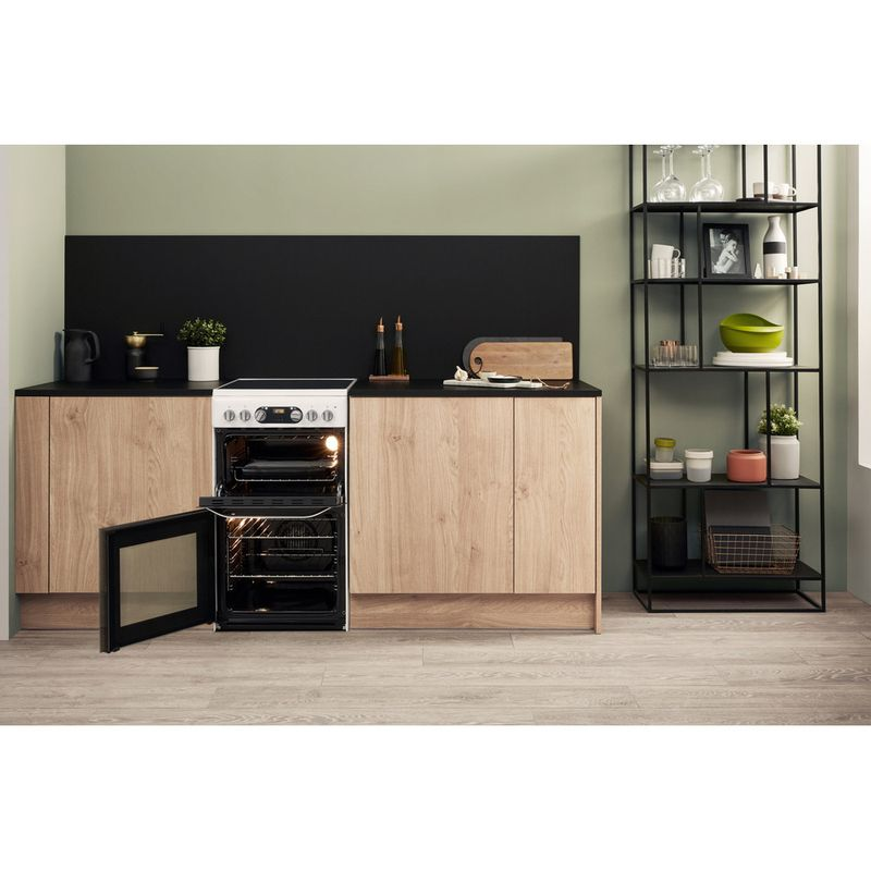 Hotpoint-Double-Cooker-HD5V93CCW-UK-White-A-Vitroceramic-Lifestyle-frontal-open