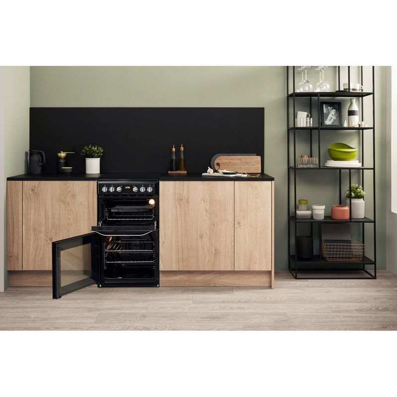 Hotpoint-Double-Cooker-HD5V93CCB-UK-White-A-Enamelled-Sheetmetal-Lifestyle-frontal-open