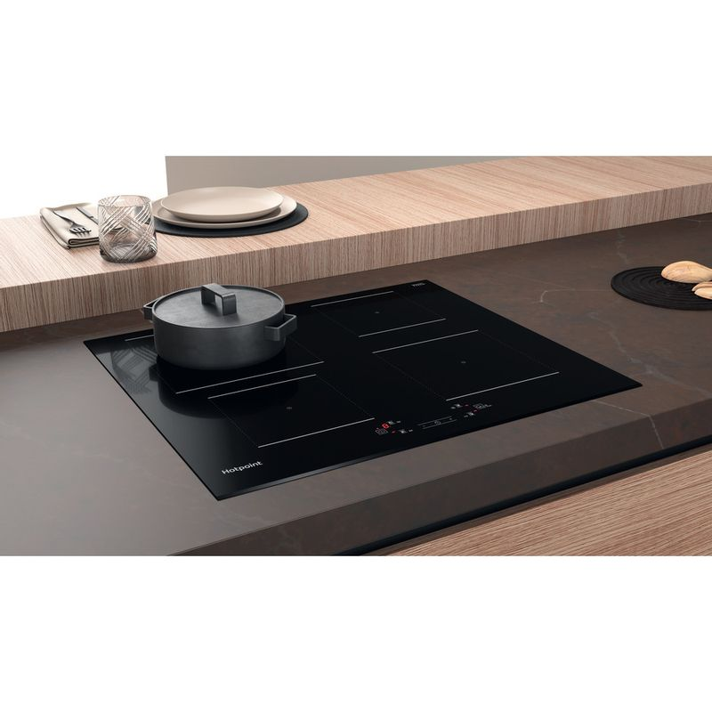 Hotpoint-HOB-TQ-4160S-BF-Black-Induction-vitroceramic-Lifestyle-perspective