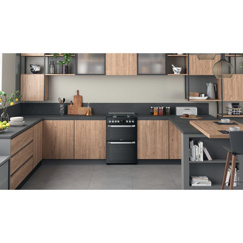 Hotpoint-Double-Cooker-HDM67G9C2CB-UK-Black-A-Lifestyle-frontal